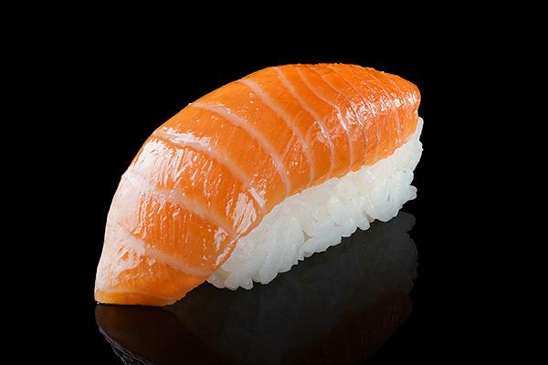 суши, черный фон, рыжий, лосось, фуд-фотография
